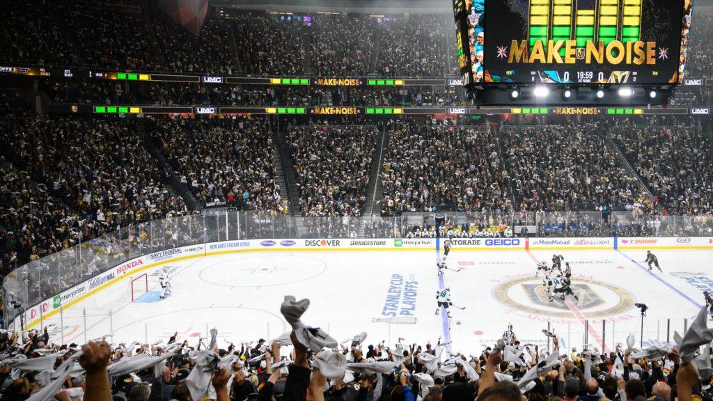 Källgren fick uppleva stämningen i Vegas hemmaborg T-Mobile Arena.