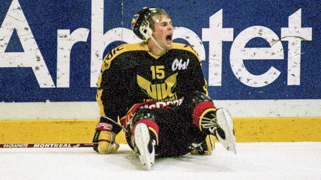Bild på en ung Patrik Juhlin i Västerås-tröjan.