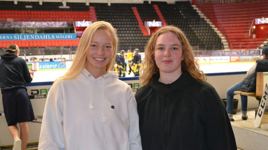 Isländskor på hockeyäventyr i Sverige