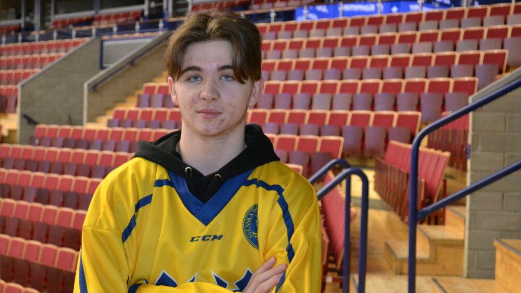 Rosén ska spela U17-VM för Sverige.