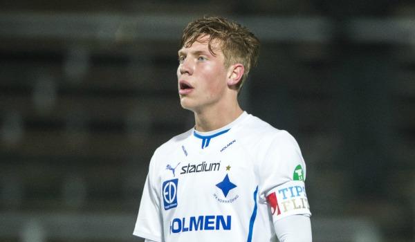 Han är inte en av de yngsta eller mest uppmärksammade 94:orna (född i april), men av det vi har sett i säsongsinledningen en av de intressantaste. Norrköping-mittfältaren Alexander Fransson har norpat åt sig en startplats i IFK och imponerade bland annat stort i premiären mot Mjällby.