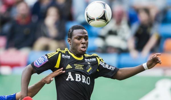 Som nybliven 16-åring blev Christian Kouakou AIK:s yngste debutant någonsin 2011. Nu är den talangfulle anfallaren utlånad till Mjällby fram till sommaren och känslan är att 17-åringen inte är långt ifrån ett allsvenskt genombrott under rätt förutsättningar.